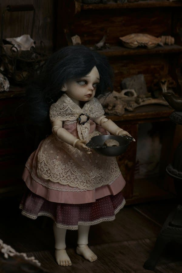 Dollzone Emily BJD creepy seer of the past